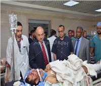 رئيس جامعة أسيوط  يوجه بتوفير الرعاية الصحية لمصابي حادث القوصية