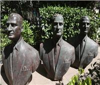 الثقافة تتسلم 3 نسخ من تمثال برونزي للرئيس جمال عبد الناصر لترميمهم