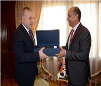 وزير الطيران المدني يلتقي سفير دولة أرمينيا