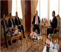 يونس المصري يبحث مع وزير النقل الفلسطيني استعدادات نقل الحجاج