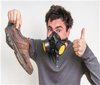 فيديو| 7 خطوات سهلة للتخلص من رائحة الحذاء الكريهة