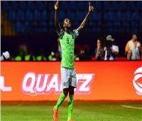 هداف أمم إفريقيا يغادر مباراة تونس ونيجيريا للإصابة