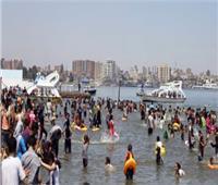 نقاط أمنية وتوحيد ألوان البوابات والحواجز بشواطئ الإسكندرية