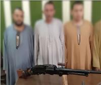 فيديو| ضبط 4 أشخاص بحوزتهم أسلحة نارية بأسيوط