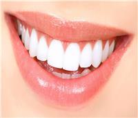 استشاري: هذه أنواع عمليات تجميل الأسنان
