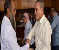 محافظ الإسماعيلية يسلم تأشيرات الحج لأعضاء بعثة الجمعيات الأهلية