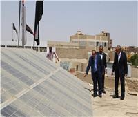 محافظ قنا: إقامة 11 محطة طاقة شمسية على أسطح مباني التربية والتعليم