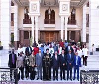 البابا تواضروس يستقبل وفدًا إفريقيًا