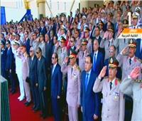 صور| الرئيس السيسي يشهد سلام السلاح للشهيد بحفل تخرج طلبة الكليات العسكرية