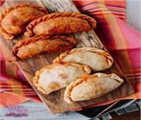 طبق اليوم  .. «فطائر باللحم مقلية على الطريقة الروسية»