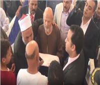 فيديو| أمن بني سويف ينجح في عقد جلسة صلح بين عائلتين