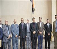 نائب وزير التعليم يجتمع مع معلمي الإسكندرية لمناقشة مشاكلهم