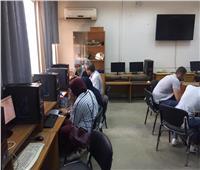 توافد الطلاب على معامل التنسيق الإلكتروني بآداب عين شمس