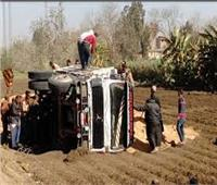 بالأسماء.. إصابة 14 عاملا زراعيا في انقلاب سيارة بالبحيرة