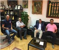 هشام حطب يستقبل سكرتير عام اللجنة الأولمبية الليبية