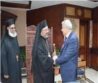 محافظ المنيا يستقبل بطريرك الأقباط الكاثوليك