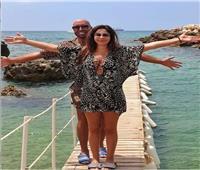 صور  إليسا تظهر على إحدى الشواطئ مع وديع النجار