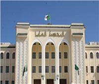 التلفزيون الرسمي: المحكمة العليا بالجزائر تأمر باحتجاز وزيرين سابقين في مزاعم فساد