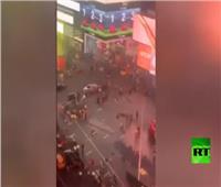 فيديو| دراجة نارية تتسبب في ذعر كبير بأشهر ساحات نيويورك