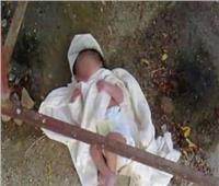 العثور على جثة رضيعة عمرها «يوم» بجوار عيادة طبية بقنا
