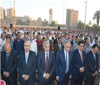 محافظ المنيا يؤدي صلاة عيد الأضحى بساحة مدرسة الفريق صفي الدين أبوشناف
