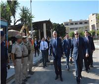 محافظ المنيا يزور معسكر قوات الأمن للتهنئة بعيد الأضحى 2019
