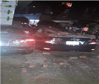 إصابة طالبين وتحطم 3 سيارات في إنهيار سور برج بالزقازيق
