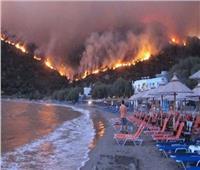 الطائرات تشارك في إخماد حريق جزيرة إيفيا اليونانية.. ولا خطر على السكان