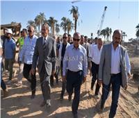 صور| وزير النقل ومحافظ أسيوط يتفقدان أعمال تنفيذ مشروع محور ديروط