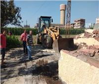إزالة 5 مقابر أقيمت على أرض زراعية بالباجور
