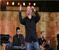 سهرة هشام عباس من محكى القلعة على «موجات الأغاني»