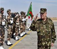الجيش الجزائري .. يكشف مخبأ للأسلحة والذخيرة جنوبي البلاد