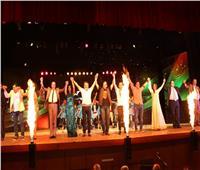 صور| حضور جماهيري كبير على مسرحية إيهاب فهمي «سيرة حب»