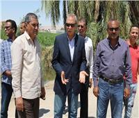محافظ قنا يقود حملة لإزالة التعديات على الأراضي الزراعية بدشنا