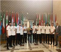 أبو الغيط يكرم طلاب الأكاديمية البحرية الأعضاء فى منتخب مصر لكرة اليد