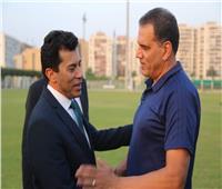 وزير الرياضة يلتقي رئيس لجنة الحكام