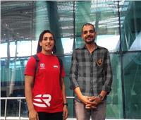 بالصور.. كيشو وسمر يغادران للمشاركة في بطولة العالم للمصارعة