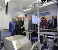 صور| شيخ الأزهر يتفقد مستشفى باب الشعرية الجامعي