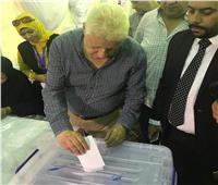 مرتضى منصور يدلي بصوته في الجمعية العمومية للزمالك