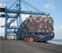 ميناء دمياط يستقبل ١٠ سفن للحاويات والبضائع العامة