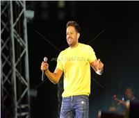 صور| حماقي يتألق بأضخم حفلات الإسكندرية في ختام صيف ٢٠١٩