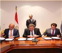 اتفاق تاريخي.. حل نزاعات بين الاتصالات ومشغلي المحمول بقيمة 2 مليار جنيه