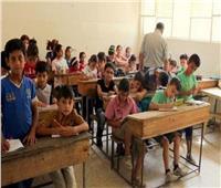 «أمهات مصر» يبحث عن أفضل وسيلة لجلوس التلاميذ في الديسكات منعا للمشاجرات