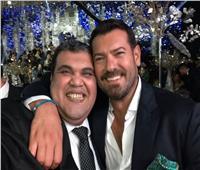 أحمد فتحي يتحدى عمرو يوسف أمام الجمهور.. مين فينا «الچان»؟