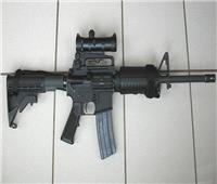 عقوبة الاتجار واستيراد الأسلحة.. خبير قانوني يجيب