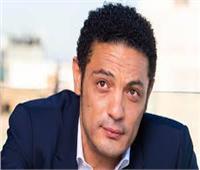 «ممثل هابط ومريض».. أستاذ طب نفسي يحلل شخصية المقاول محمد علي