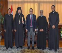 الأنبا باخوم يزور محافظ الإسكندرية
