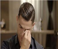 شاهد| رونالدو ينهمر في البكاء بسبب والده