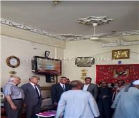 صور| محافظ قنا يُقدم واجب العزاء لأسر «شهداء لقمة العيش» في أبوتشت