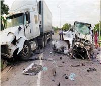 مصرع 15 شخصا إثر سقوط شاحنة بواد في الفلبين